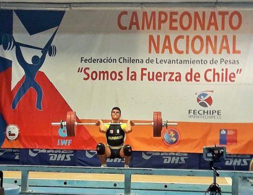 Alumno de la USM en Viña del Mar obtiene segundo lugar en campeonato nacional de halterofilia