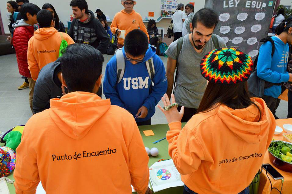 Programa Punto de Encuentro realiza exitosa feria para promover sus ...