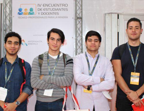 Sansanos participan en encuentro de estudiantes universitarios en EXPOMIN