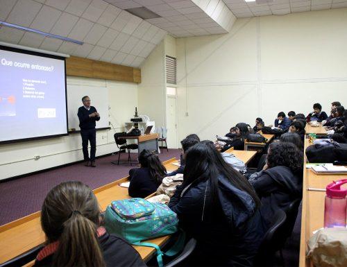 USM abre sus puertas y dicta clases universitarias a estudiantes de enseñanza media