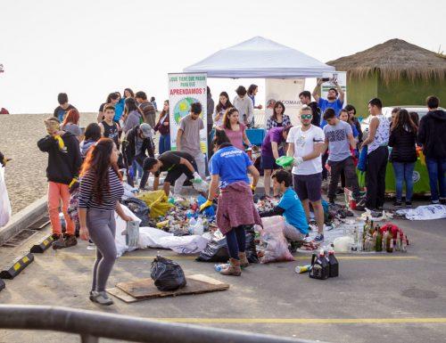 Limpieza de playa organizada por sansanos logró recoger 253 kilos de residuos en Valparaíso