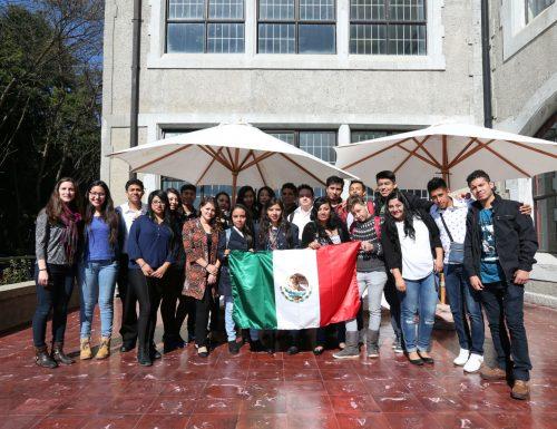 Delegación de alumnos mexicanos estudia en la USM en pasantía de tres semanas