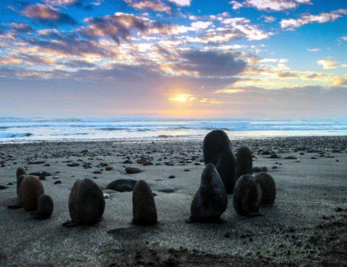 expo-pedro-serrano-piedras-tsunami-1