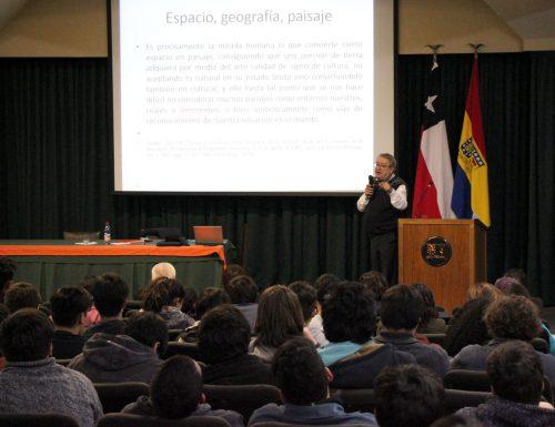 Conferencia del académico español José Carlos Rovira analizó obra de Rubén Darío en la USM