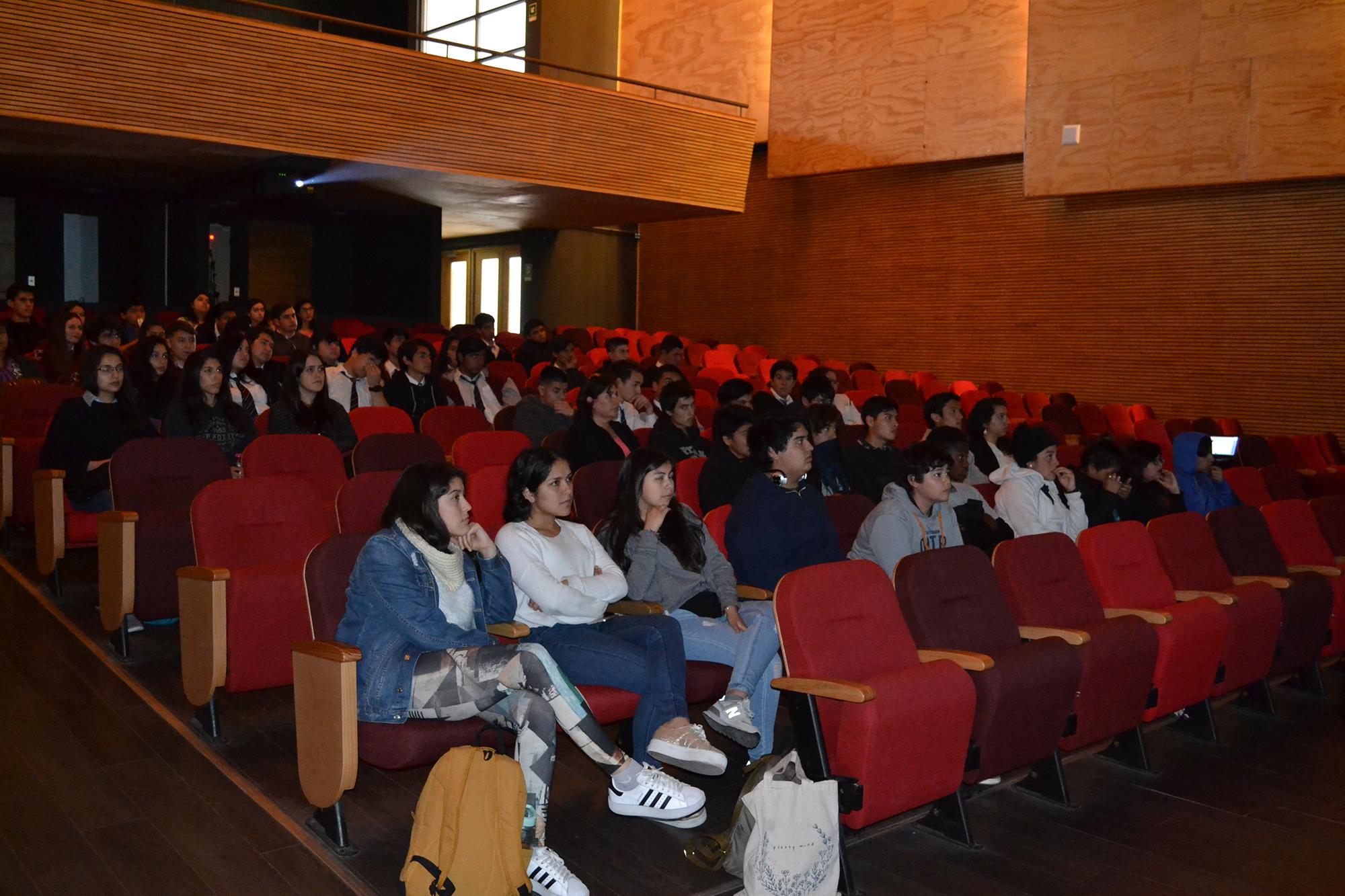 Pace Usm Realiza Charla Motivacional Con Estudiante Chilena