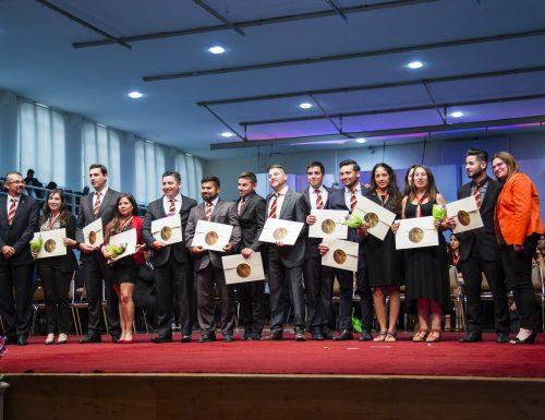 USM tituló a 474 nuevos profesionales de San Joaquín y Vitacura